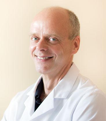 Dott. Bernhard Reimers